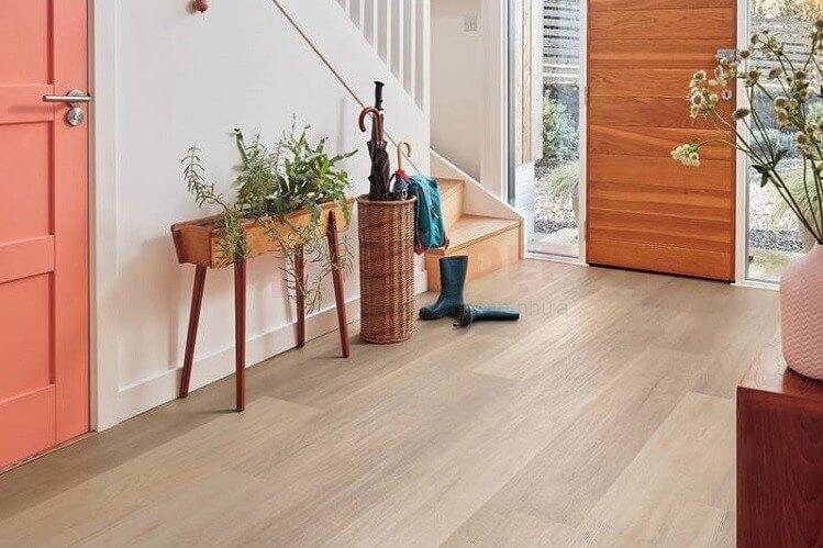 Các thói quen khiến sàn gỗ nhanh xuống cấp