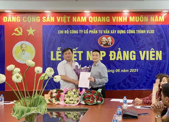 Lễ kết nạp Đảng viên mới thuộc Chi bộ Công ty CP Tư vấn Xây dựng Công trình VLXD